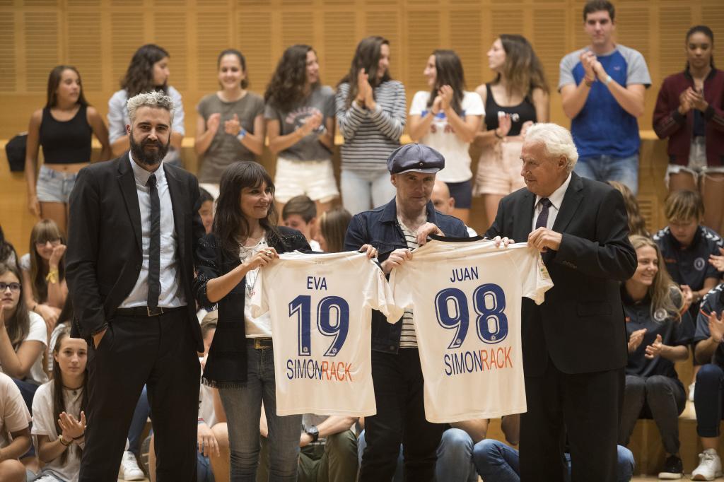 PRESENTACIÓN DEL NUEVO HIMNO DEL ZARAGOZA CFF COMPUESTO POR EL GRUPO AMARAL